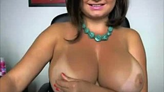 Mommy with massive bumpers - catchmedirty.com HD